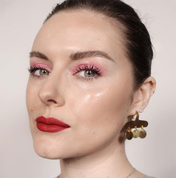 LOOK OF THE WEEK: PINK EYESHADOW