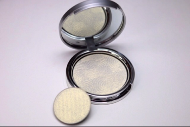 Looxi Beauty - Stiletto Highlighter